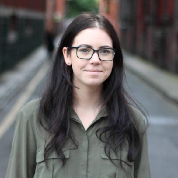 Elise Dopson headshot